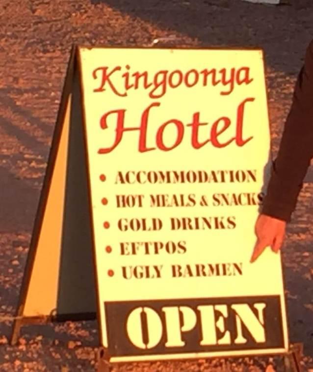 Kingoonya - Hotel Googs Track SA Ugly Barmen