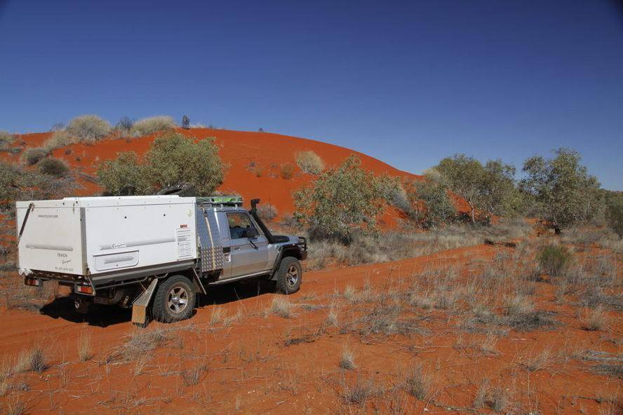 Batton Hills Trayon Campers Hay River Track Desert Red Sand 4WD Toyota Landcruiser 70 Series Slide On Camper. Simpson Desert.