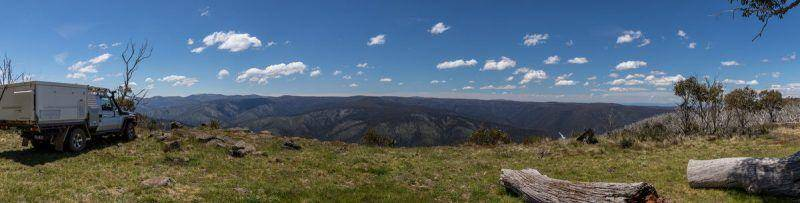 Essential Victorian High Country 4WD Camping Guide. Panoramic Image