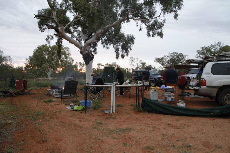 Batton Hill Camp - Hay River Track Trayon Campers. Simpson Desert.