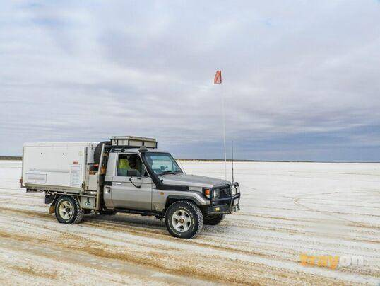 trayon camper slide on camper 4wd suspension salt lake. Toyota Landcruiser ute.