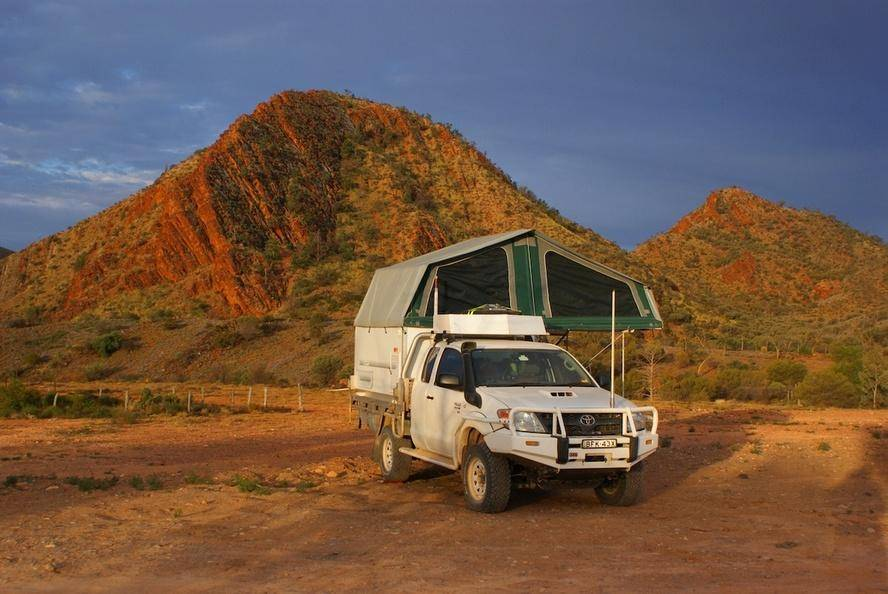 Simpson Desert Toyota Hilux Trayon Slide On Camper