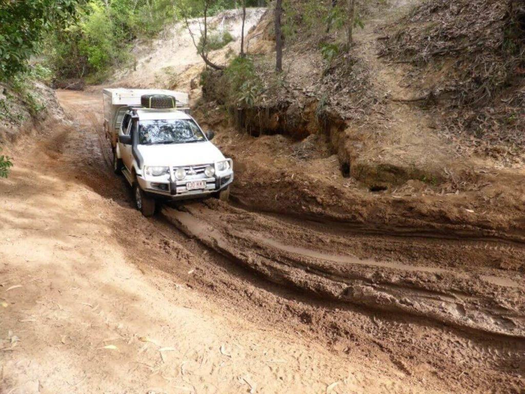 Mitsubishi Triton Dual Cab Off road 4x4 mud with Trayon Slide on Camper