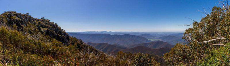 Pinnacles Lookout carpark - Victorian High Country Panorama