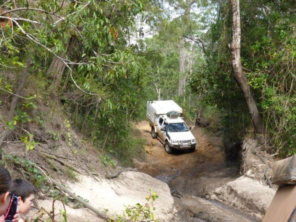 Mitsubishi Triton Dual Cab Off road 4x4 mud with Trayon Slide on Camper